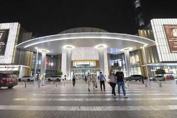 Le Dubai Mall rouvre ses portes)