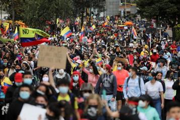 Manifestations en Colombie Une vingtaine de morts, le ministre des Finances démissionne)