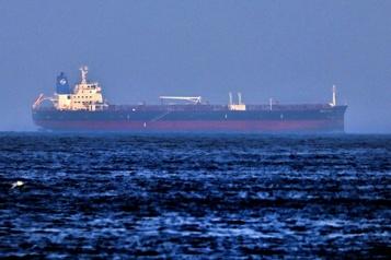 Le pétrolier attaqué en mer d'Oman à l'ancre au large des Émirats)