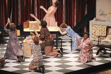 La version brésilienne de la comédie musicale Belles-Sœurs en France )