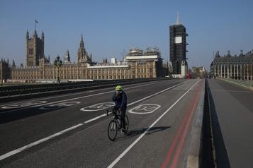 Boris Johnson sort des soins intensifs