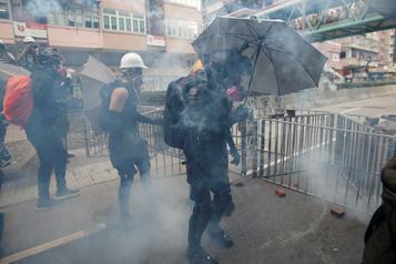 Hong Kong: la police peut gérer les manifestations sans Pékin