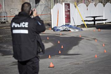 Montréal Une piétonne happée à mort par un camion à ordures)