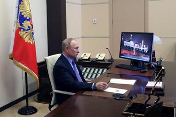 Vladimir Poutine appelle les Moscovites à rester confinés