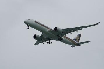 Singapore Airlines renonce aux «vols pour nulle part» après des protestations)