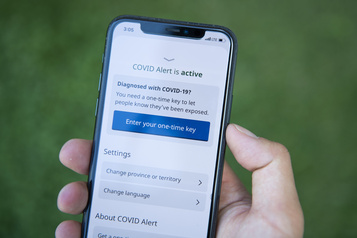 Les problèmes d'accessibilité de l'application Alerte COVID critiqués)