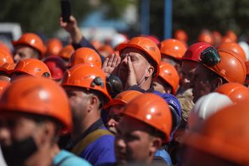 Contestation en Biélorussie: débrayages et appel à manifester)