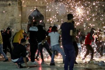 Plus de 200blessés Appels à de nouvelles manifestations après des heurts à Jérusalem)