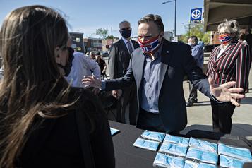 Offensive promotionnelle pour le port du masque à Montréal )