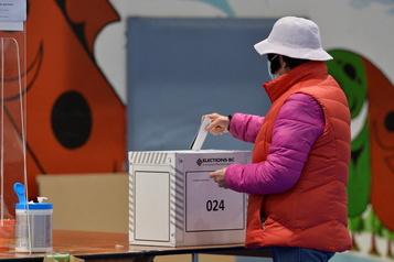 Élections provinciales 498000 votes par correspondance reçus en Colombie-Britannique)