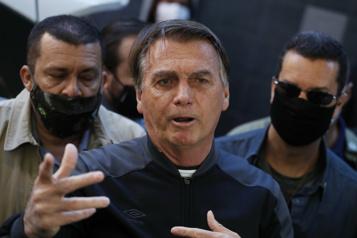Brésil Le président Jair Bolsonaro quitte l'hôpital après quatre jours de traitement)