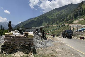 Des soldats chinois se retirent de la vallée disputée avec l'Inde)