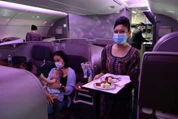 Restaurants éphémères Les nostalgiques affluent dans les avions de Singapore Airlines)