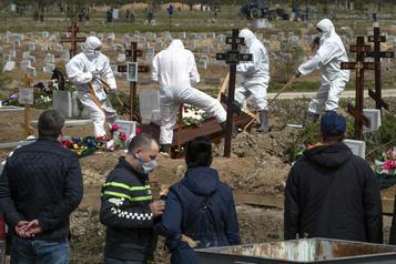 COVID-19: la Russie dépasse les 5000 morts)