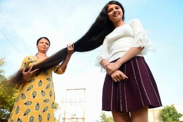 Nilanshi Patel, l'ado à la plus longue chevelure au monde