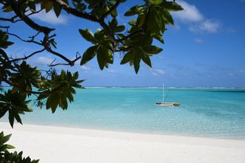 La Polynésie française accueille ses premiers touristes)