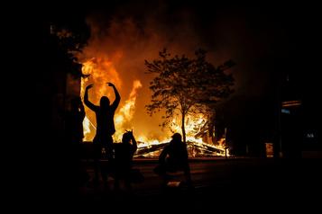 Émeutes au Minnesota: la Garde nationale en renfort)