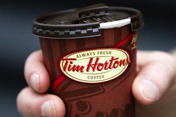 Tim Hortons élimine le doublage des gobelets de boissons chaudes)