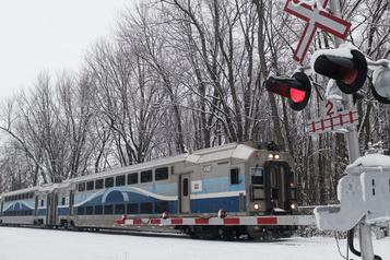 Reprise du service des trains de banlieue