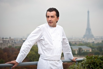 Les restaurateurs français ravis de retourner aux fourneaux mardi)