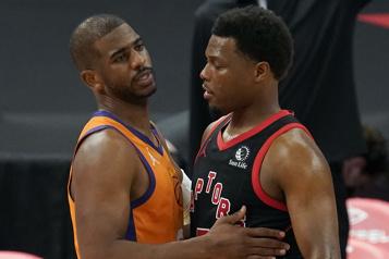 Les Raptors baissent pavillon devant les Suns)