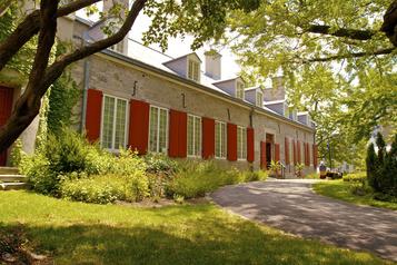 Le Château Ramezay rouvre ses portes vendredi)