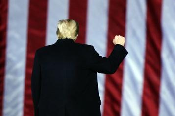 Le choix de Trump: la démission ou l'«impeachment» )