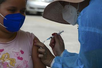 Bilan de la pandémie Plus de 4 744 00 morts dans le monde)