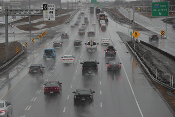 Québec allonge 1,5milliard pour l'autoroute15)