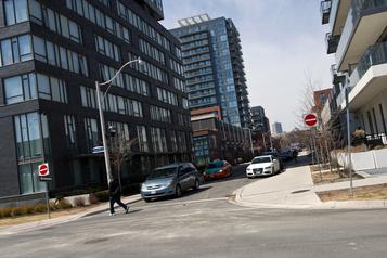 Les prix des loyers ont diminué à Toronto cet été)