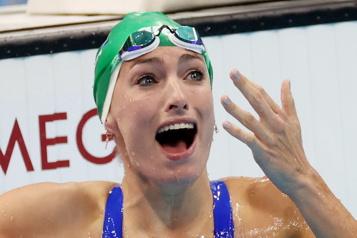 200m brasse La Sud-Africaine Schoenmaker remporte l'or et signe un record du monde)