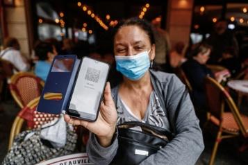 COVID-19 Le passeport sanitaire gagne du terrain en Europe)