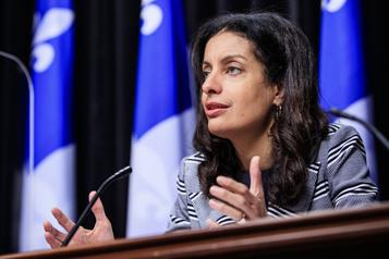 Protection du français Le plan du PLQ prévoit une équipe dédiée au centre-ville de Montréal)