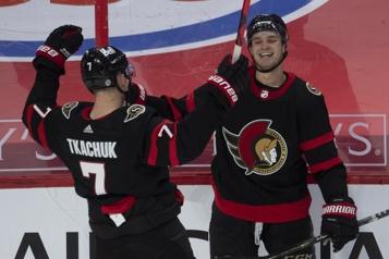 Les Sénateurs ont le dessus4-3 sur les Maple Leafs)