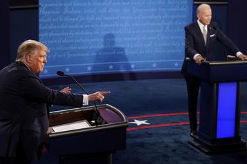 Débats présidentiels Après un débat cacophonique, des règles supplémentaires et un modérateur sidéré)