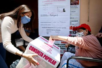 Les Mexicains votent sur la possibilité de poursuivre d'ex-présidents pour corruption)
