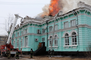 Russie Une opération à cœur ouvert menée à terme en plein incendie)