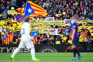 Violences en Catalogne: le clasico Barça-Real reporté