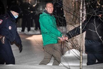 Russie Navalny publie une enquête anticorruption visant le «palais de Poutine»)