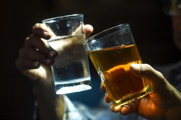 La consommation d'alcool des Canadiens scrutée à la loupe)
