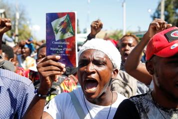 Haïti Plusieurs milliers de manifestants dénoncent un retour à la dictature)