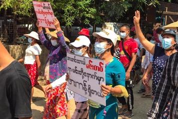Birmanie Au moins six morts lors d'affrontements entre rebelles et l'armée)