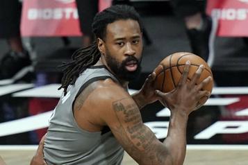 DeAndre Jordan se joint aux Lakers)