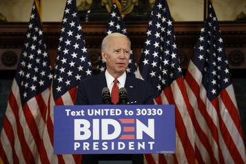 Biden accuse Trump d'être avant tout préoccupé par sa réélection)