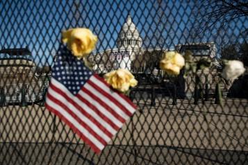 Le policier décédé après l'assaut du Capitole est mort de causes «naturelles»)