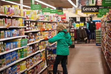Frais arbitraires imposés par les supermarchés: l'intervention d'Ottawa réclamée)