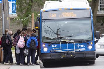 Menace de grève des chauffeurs d'autobus de Laval)