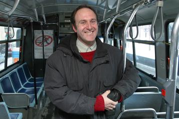 Décès de Normand Parisien, défenseur des transports collectifs)