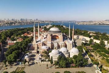 Turquie: Sainte-Sophie transformée en mosquée, mais restera ouverte aux visiteurs)