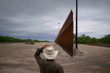 Le mur de Trump à la frontière mexicaine pose des risques d'inondations)